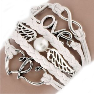 Jewelry - NEW.🎉FINAL PRICE DROP🎉 gorgeous white bracelet!